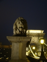 Lions guard the chain bridge